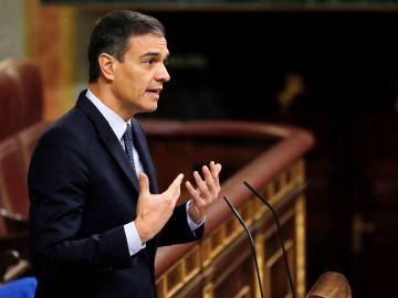 Pedro Sánchez durante su intervención en la segunda jornada del debate en respuesta al portavoz de ERC, Gabriel Rufián