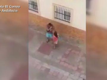 Detenida una mujer en Huelva por agredir a su novio en plena calle