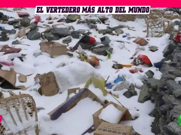 El Everest, el basurero más alto del mundo: se recogen 8 toneladas de residuos al año