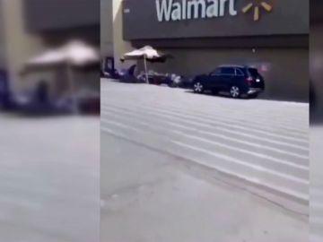 Imagen del tiroteo en un centro comercial de El Paso