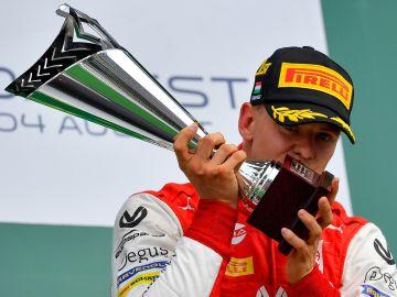 Mick Schumacher, tras su primera victoria en F2