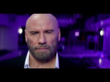 John Travolta ya lo ha hecho todo... hasta bailar un tango en un videoclip de Pitbull