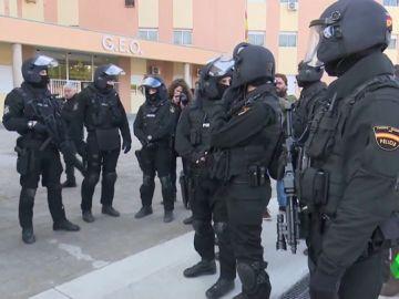 MUJERES POLICÍA