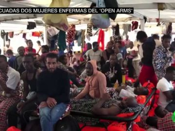 Dramática situación del Mediterráneo: más de 400 migrantes hacinados en dos barcos a la espera de un puerto seguro