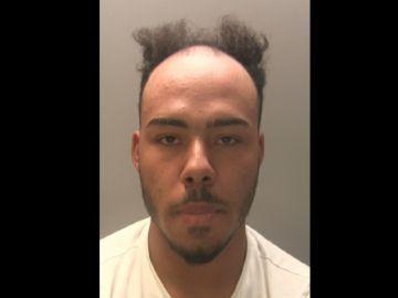 La imagen del hombre fugado publicada por la Policía de Gwent