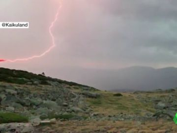 Uno de los más de 6.000 rayos que han caído en la Península.