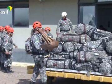Los militares ya combaten los incendios en ocho estados de la Amazonia brasileña