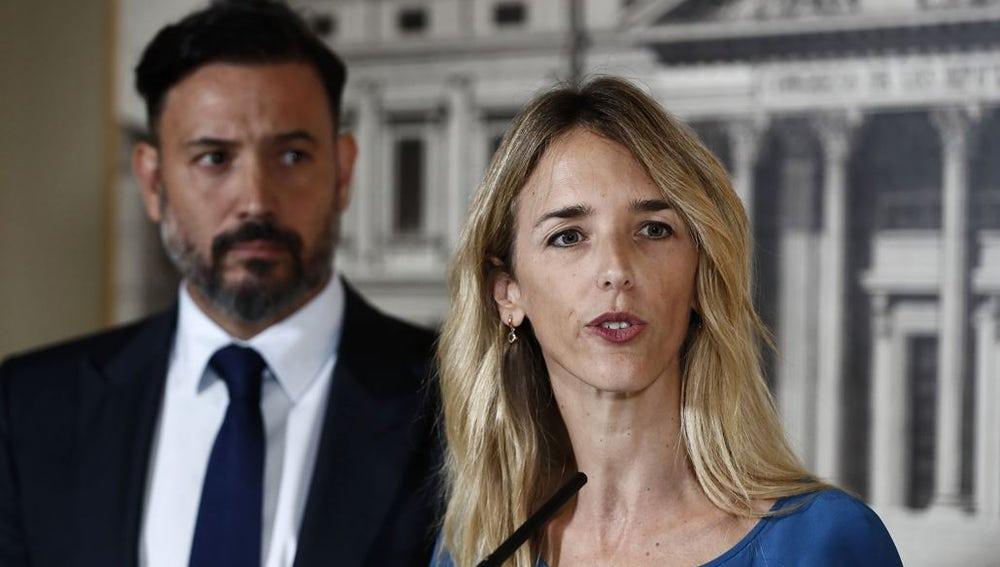 Cayetana Álvarez de Toledo ante los medios