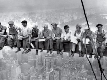 'Lunch Atop a Skyscraper', 1932