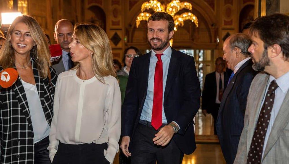 El presidente del PP, Pablo Casado, y la portavoz del partido en el Congreso,  Cayetana Álvarez de Toledo
