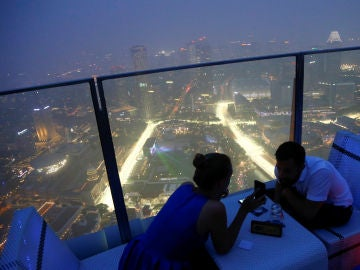 El circuito de Singapur, cubierto por la nube tóxica