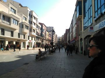 Imagen de la calle La Cámara, en Avilés
