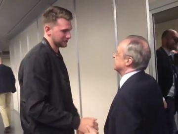 El emotivo abrazo de Florentino Pérez y Luka Doncic en su reencuentro