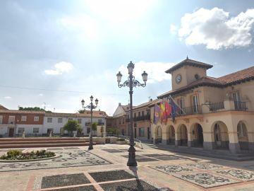 Imagen de la plaza del Ayuntamiento de Griñón, en la Comunidad de Madrid.