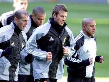 Zidane, Ronaldo, Beckham y Roberto Carlos, durante la etapa del Real Madrid de los 'Galácticos'