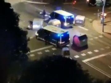 Un furgón de los Mossos atropella a un manifestante
