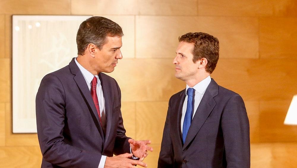 Pedro Sánchez y Pablo Casado se reunirán a las 12:00 en Moncloa