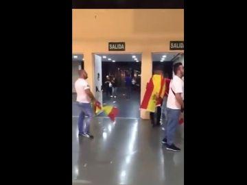 Denuncian un ataque homófobo por parte de simpatizantes de Vox en Alicante.