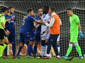Mario Balotelli amenaza con irse de un partido