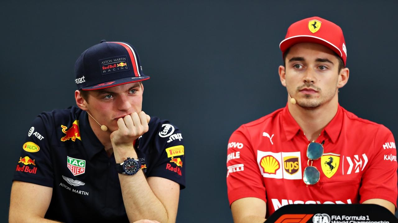 Max Verstappen y Charles Leclerc, ante los medios
