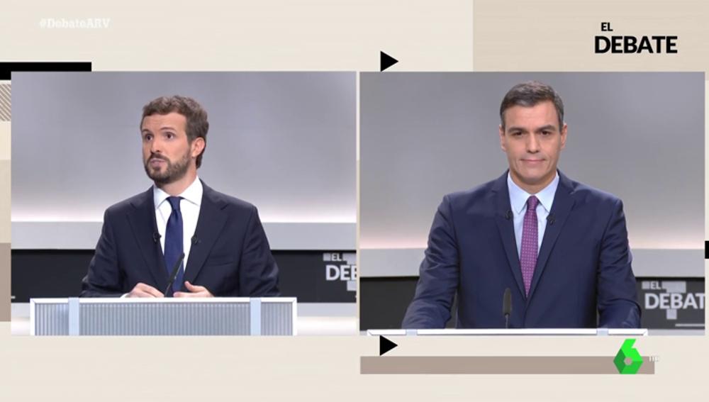 Pablo Casado y Pedro Sánchez en el debate