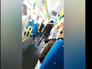 Agresión racista en un autobús de la EMT
