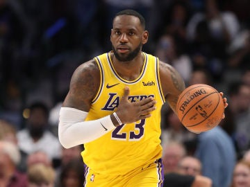 LeBron James, durante un partido de los Lakers