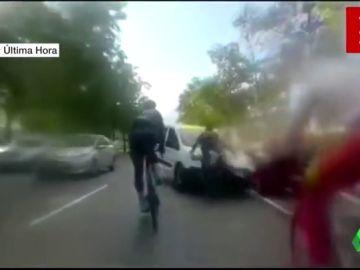 La mujer detenida por atropellar a tres ciclistas y darse a la fuga alega que se entregó para proteger a su novio