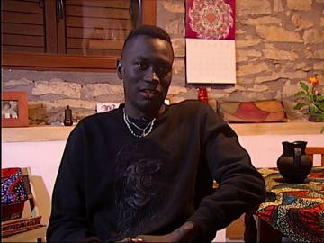 Medoune era un niño 12 de años cuando llegó solo a España