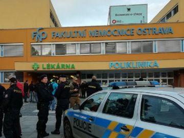 Al menos seis muertos en un tiroteo en un hospital de la República Checa