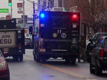 Dos tiradores disparan en la cabeza a un policía en Nueva Jersey, EEUU