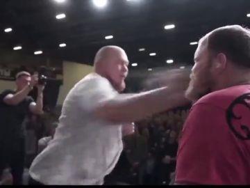 Histórico: dejan KO al rey de las bofetadas con un sobrecogedor golpe