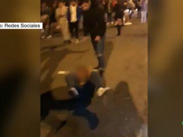 Una multitudinaria pelea a las puertas de una discoteca de Bilbao se salda con varios heridos