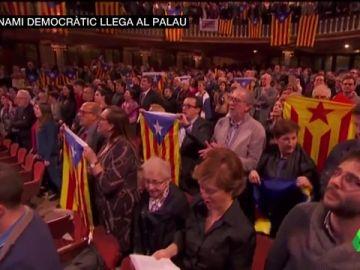 "VÍDEO REEMPLAZO    Gritos de ""libertad"" e ""independencia"" en el tradicional concierto navideño de Sant Esteve"