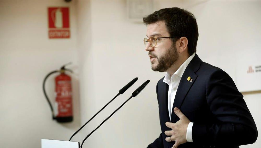 Pere Aragonès ante los medios