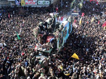 Estampida durante el funeral de Soleimaní en Irán