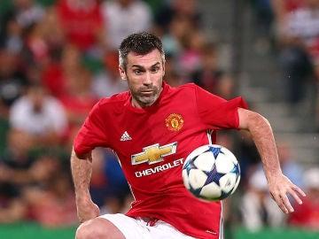 Gillespie jugando con el equipo de leyendas del United