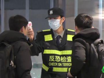 España se prepara para frenar al coronavirus de China: la OMS decidirá hoy si declara emergencia internacional