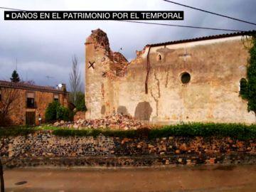 La iglesia románica de San Martí de L'Esparra, del siglo XII, sin campanario por el temporal
