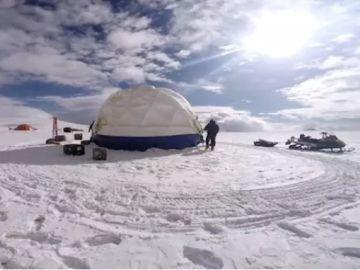 Imagen de archivo de trabajos sobre un glaciar tibetano
