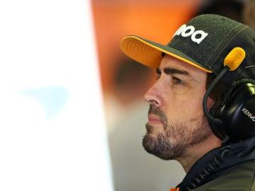 Fernando Alonso, en actitud pensativa