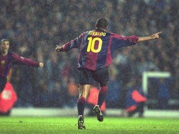 Rivaldo jugando con el FC Barcelona