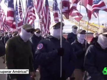 """Un centenar de supremacistas blancos recorren Washington a la llamada de """"recuperar América"""""""