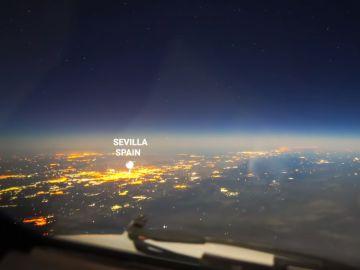 Time-lapse de un avión sobrevolando España