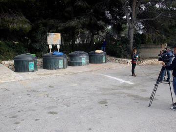 Zona de contenedores soterrados dónde ha sido encontrado el cadáver de una mujer