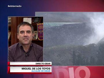"""Miguel de los Toyos, alcalde de Eibar: """"El lehendakari tiene que decir todo lo que sabe sobre lo que está pasando en Zaldibar"""""""