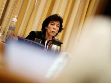 Isabel Celaá comparece en la Comisión de Educación