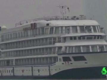 Crucero que servirá de alojamiento para médicos y sanitarios en Wuhan