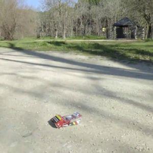 El experimento de laSexta con la 'basuraleza': ¿serías capaz de recoger un residuo tirado en mitad de la calle?
