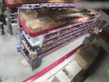 Tres detenidos por robar productos alimenticios de lujo en comercios de Cataluña